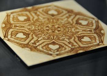 Laserbeschriftung auf Holz